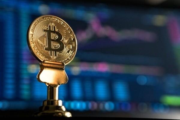 CriptoNews bitcoin Willy Woo, Bitcoin a 300 mila dollari entro 2021